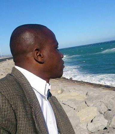Sehnsüchtiger Blick vom Strand in Tanger zum nur 13 Kilometer entfernten spanischen Festland