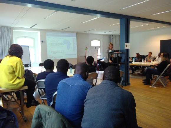 Christina Hollmann vom DAAD stellte sich einer intensiven Diskussion